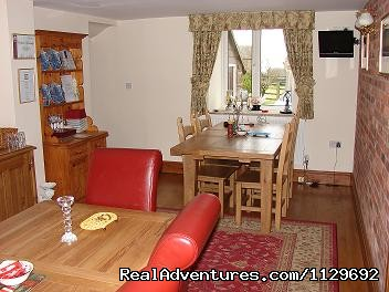 Dining Room - Biddulph's Best Bed and Breakfast Accommodation