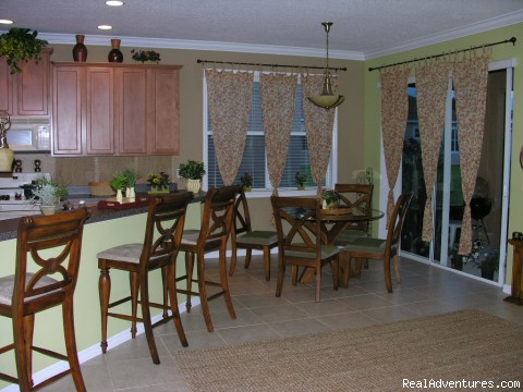Kitchen - Just 5 minutes from Disney World ! ! !