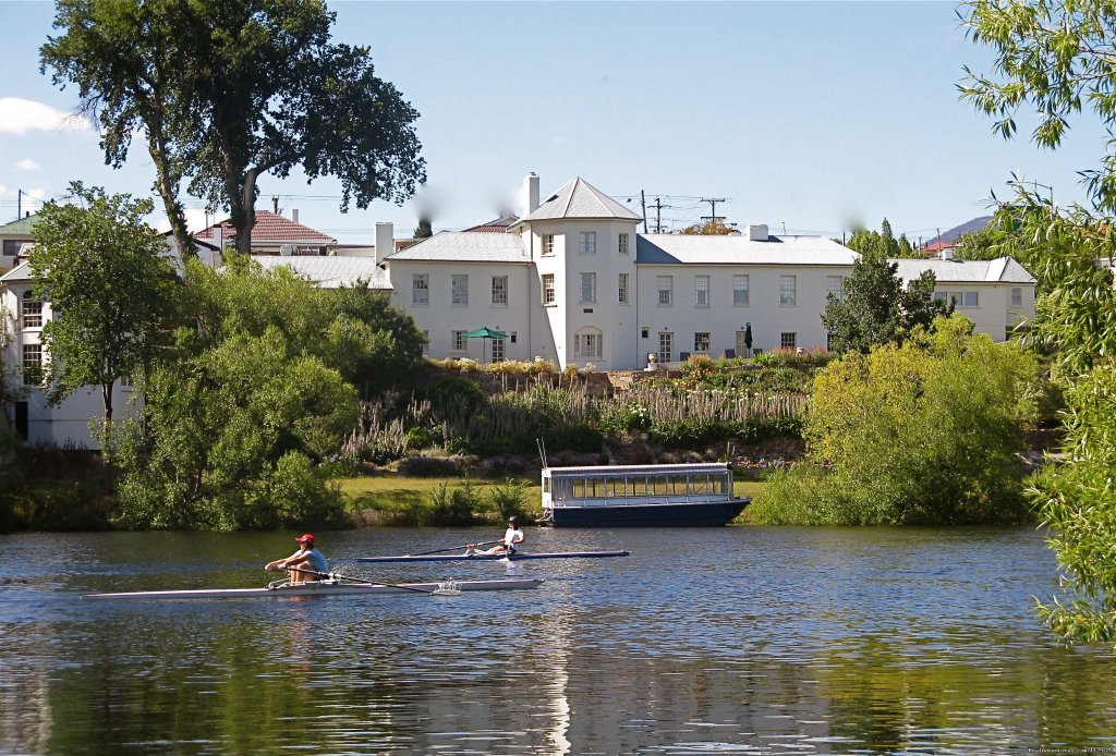 Woodbridge, Tasmania's only Small Luxury Hotel, is an 1825 Heritage listed convict built Georgian Mansion on the banks of the River Derwent. It combines historical authenticity with modern furnishings & comforts to create totally memorable experience