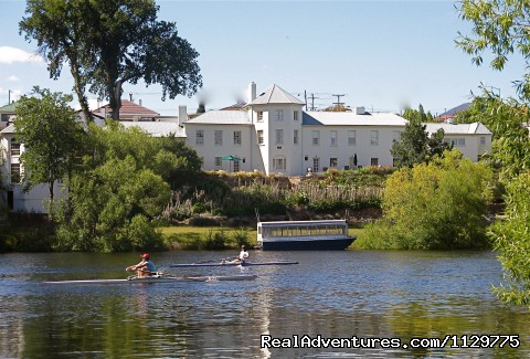 historic luxury  Woodbridge, Tasmania, Australia: Woodbridge, from the river..