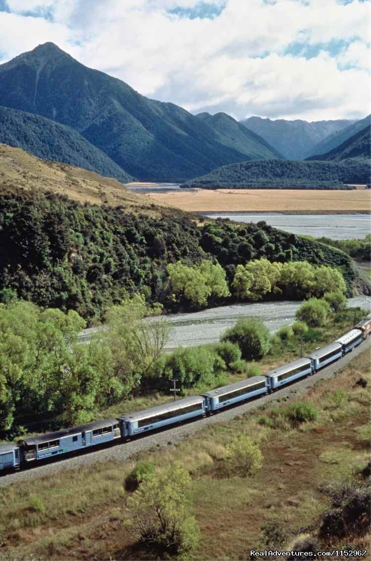 West Coast Travel Centre offer expert advice and free bookings for all accommodation, transport, TranzAlpine rail travel, tours, activities & attractions throughout the West Coast of the South Island.
