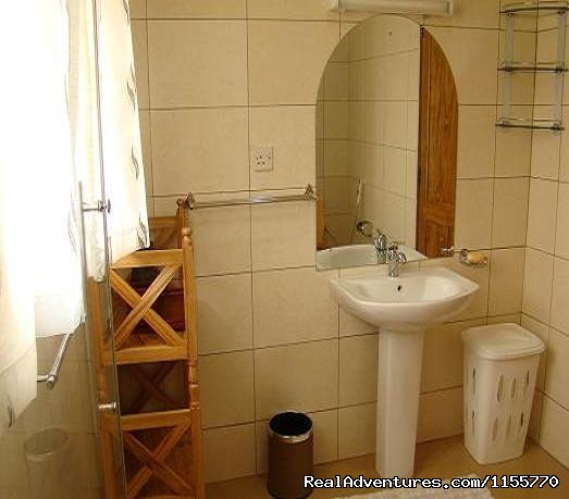 Bathroom - Milimani Self Catering Cottages
