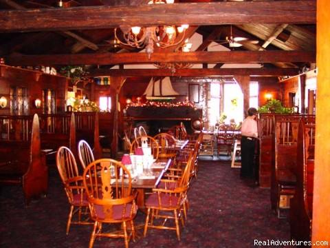 Dinning Room - New England Seacoast Getaway