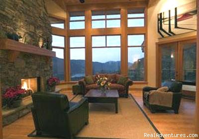 A Masterfull Living Room - Aloha Whistler Accommodations