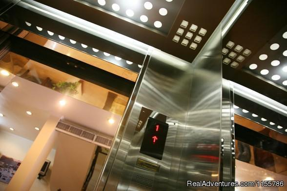 Elevator to all rooms - Posh Hotel - Great  3 Hotel in Hanoi Old Quarter