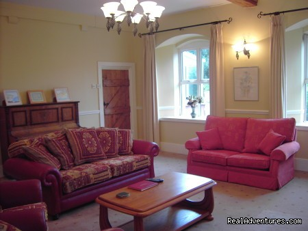 - Luxury Castleoliver Coach House