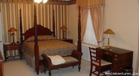 - Rosemont Manor Bed-and-Breakfast