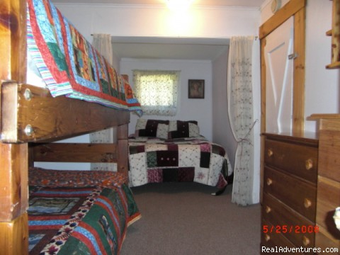 Guest room - Rangeley Lake, Private Waterfront Cottage
