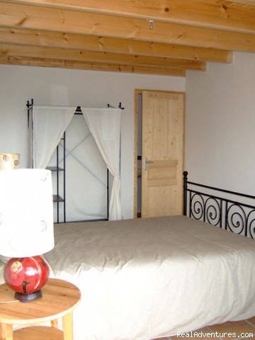 Ensuite bedroom - Le Poirier beautiful 4 bed barn conversion