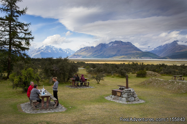 BBQ area - Glentanner Park Centre Mount Cook New Zealand