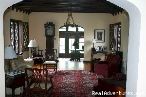 Bryn Rose Inn, Living Room - Secluded B&B on Confederate Battle lines