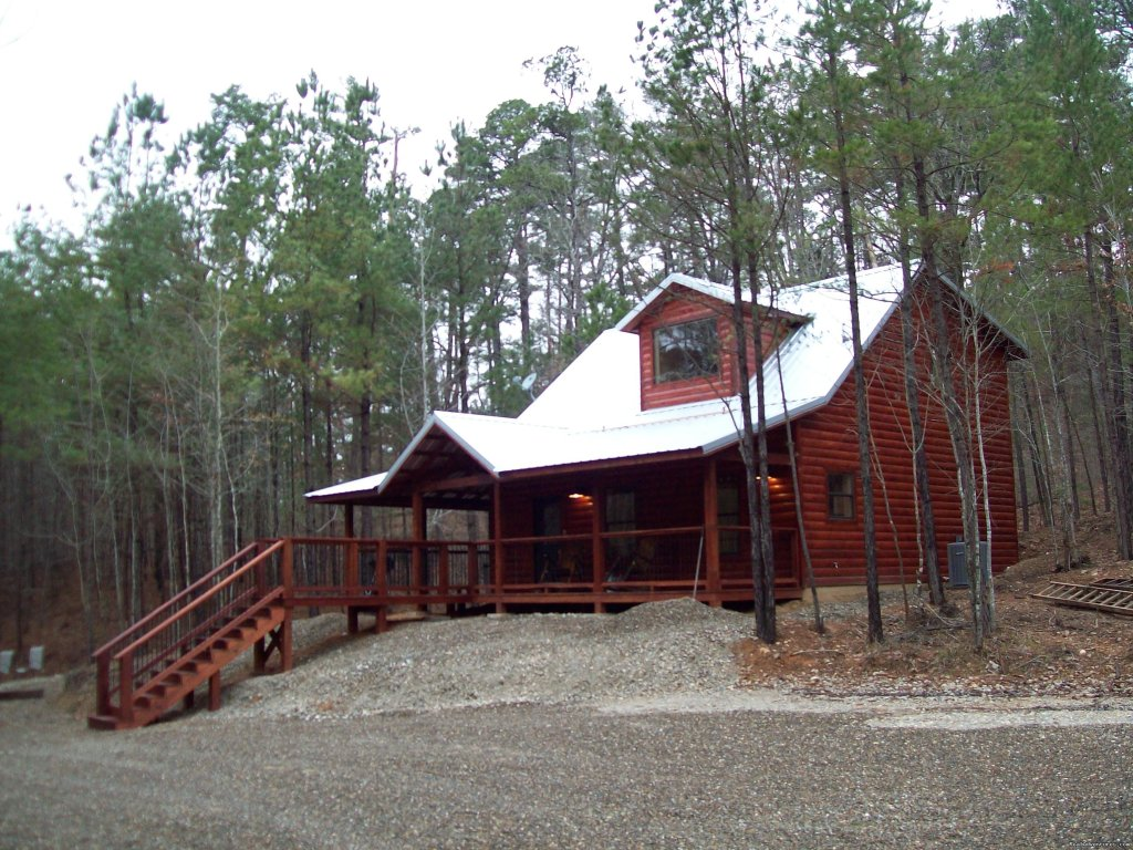 5 cabins located 1 mi. from Beavers Bend State Park, 2 mi. from Broken Bow Lake & 9 mi. from Broken Bow, OK; nestled in a pine forest in the mountains.  3 three BR, 1 two BR & 1 one BR. Wireless internet, hot tubs, fireplaces. 4 cabins pet friendly