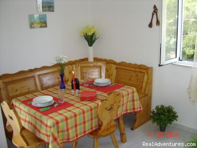 Dinning Corner - Quiet location-Near Beach-Pool-Near town Center