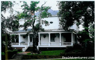 Image #1 of 3 - The Simmons-Bond Inn
