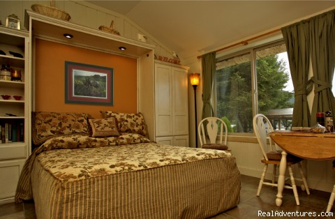 The Bunkhouse Cabin - Ketchikan's Finest Waterfront Vacation Rental B&B