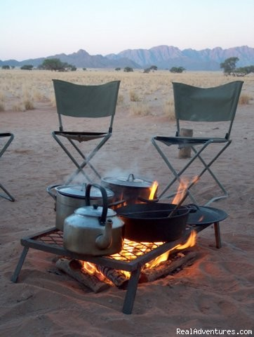 Dinner Time in Nature - New African Frontiers Tours & Safaris