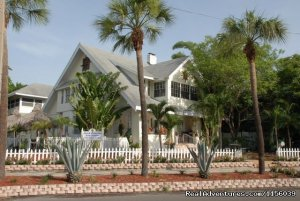 Florida Getaway at Beach Drive Inn St. Petersburg, Florida Bed & Breakfasts