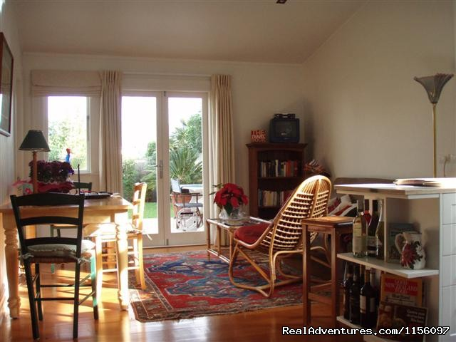 Image #2 of 6 - Auckland - Karins Garden Villa B&B/Homestay
