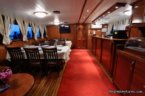 Dinning room - Sail The Adriatic Sea In Style.