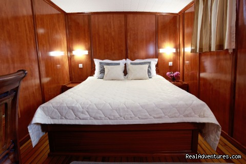 En-suite Queen cabin (#8 of 24) - Sail The Adriatic Sea In Style.