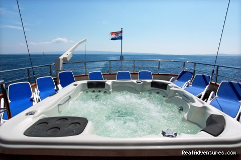 Jacuzzi - Sail The Adriatic Sea In Style.