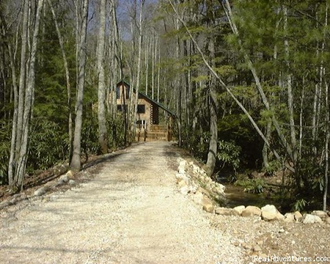 Surrounded by Mother Nature - Romantic Getaway in TN Mountain Log Cabin
