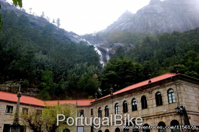 Image #10 of 26 - Portugal Bike: The Quiet Villages on the Mountains