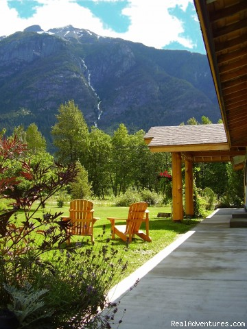 Wilderness Tours & Accommodations in Bella Coola