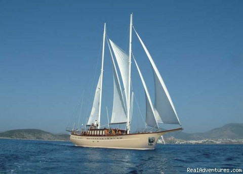 - Croatia romantic luxury cruising 2009