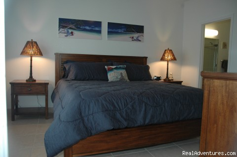 Master bedroom, king bed - Affordable luxury condo rental