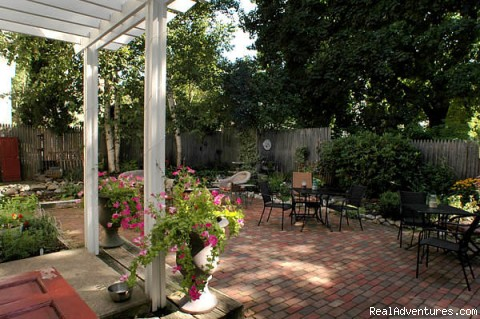 - Benjamin F. Packard House Bed and Breakfast