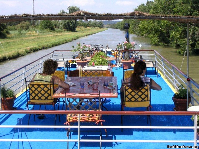 Image #3/8 | Luxury canal barge cruise in Provence