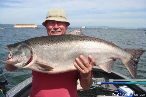 Buoy 10 Fall Chinook - Guided Sportfishing Trips for Salmon & Sturgeon
