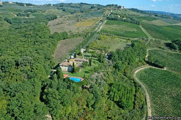Image #2/2 | A farm house within the Tuscan rolling hills