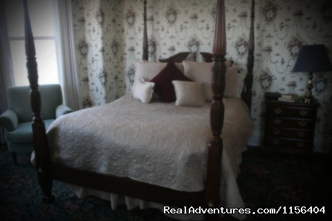 The Dillin Room - The Housley House B&B is The Cream Of The Crop