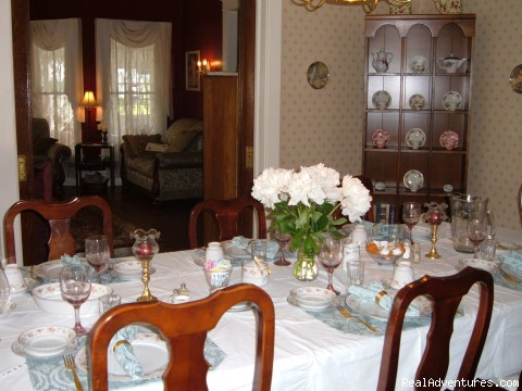 Warm & Romantic Candlelite Inn Bed & Breakfast Ludington, Michigan Bed & Breakfasts