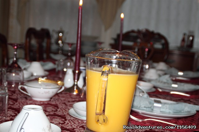 Image #4 of 10 - Warm & Romantic Candlelite Inn Bed & Breakfast