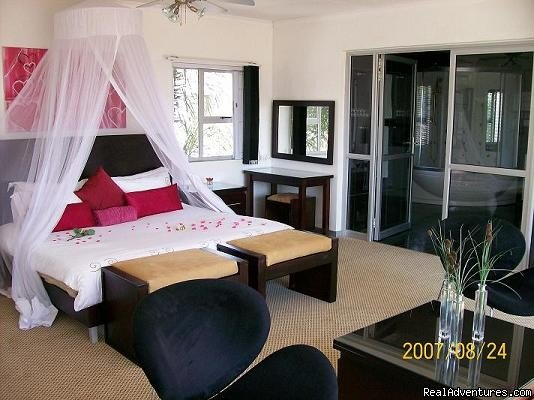 Bahamas honeymoon/ Presidentail suites | Image #2/8 | The ever romantic Cocomo guesthouse