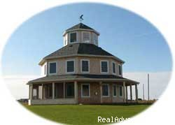 Naufrage Lighhouse Cottage is on the ocean cliff - Private, Water Front  Vacation Rentals, PE Canada