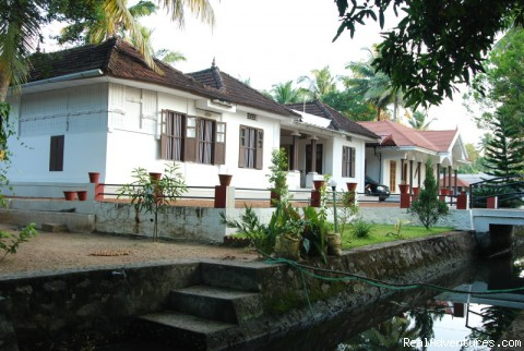 Heritage house - Homestay,Bed and Breakfast Kumarakom Kerala India