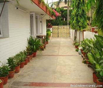 Delhi bed and breakfast homestay Bed and breakfast new delhi exterior