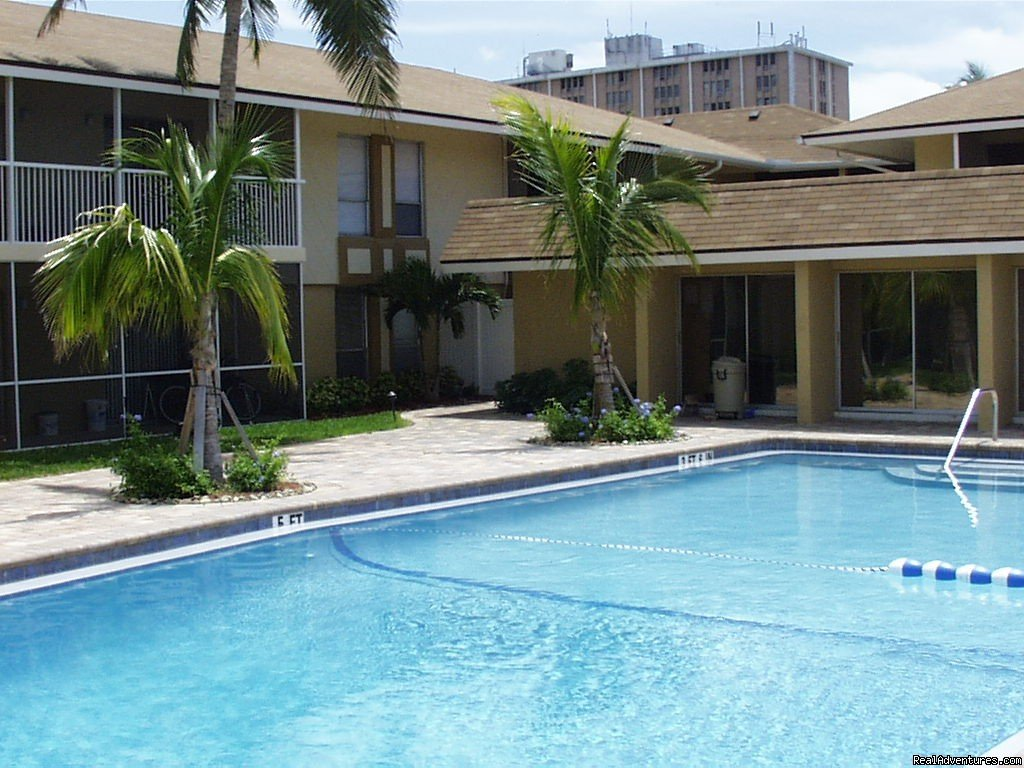 Pool - Club House | Image #2/4 | Historic Fort Myers Condo