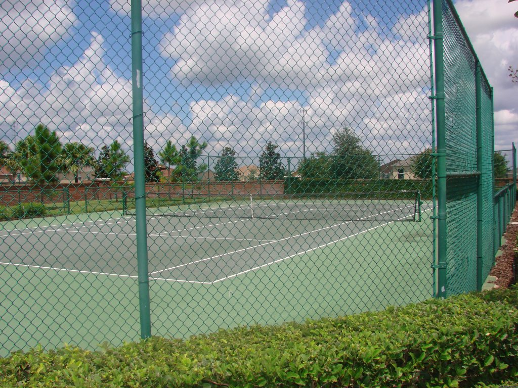 ON SITE TENNIS COURT | Image #17/17 | Fantastic Family House To Rent Davenport Orlando
