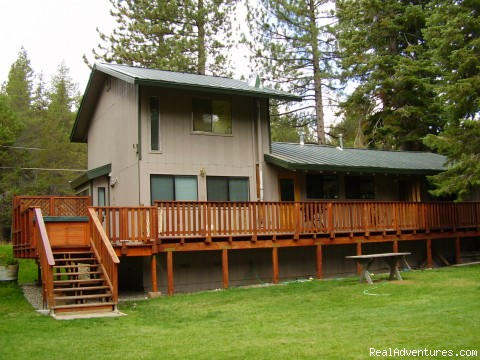 4 BEDROOM, 3 BATH WITH HOT TUB - Luxury South Lake Tahoe Rental & Boat Charter