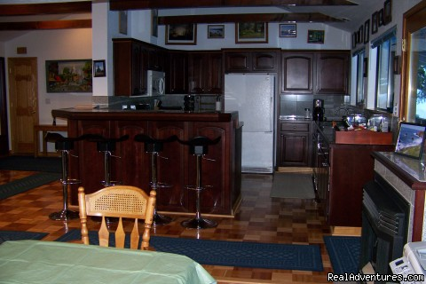 FULLY EQUIPT KITCHEN - Luxury South Lake Tahoe Rental & Boat Charter