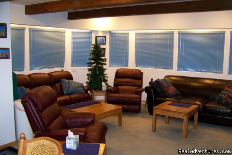 COMFORTABLE FAMILY ROOM - Luxury South Lake Tahoe Rental & Boat Charter