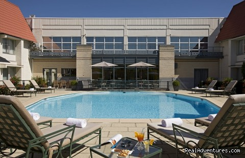 Swimming pool - Discover Pullman Brussels Airport