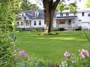 Buttonwood Inn on Mount Surprise North Conway, New Hampshire Bed & Breakfasts