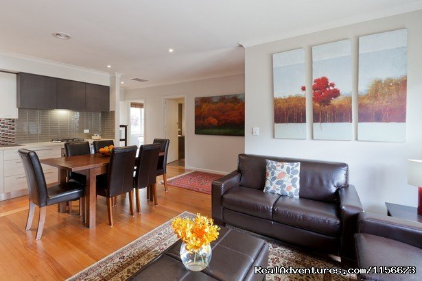 Sandy Breeze 2 - 3 bedroom home in Sandringham | Image #3/5 | Boutique Stays - Self contained apartments/houses