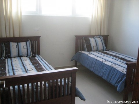 Third Bedroom with 2 twin beds - Ocean Villa 2 blocks from the beach in San Juan